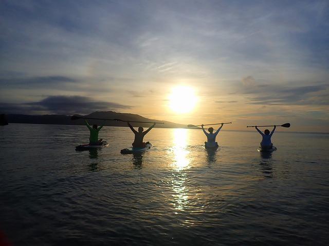 サンセットが楽しめる西表島のマングローブツアー
