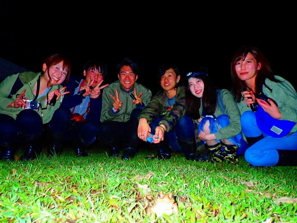グループ旅行でジャングルナイトツアーに参加