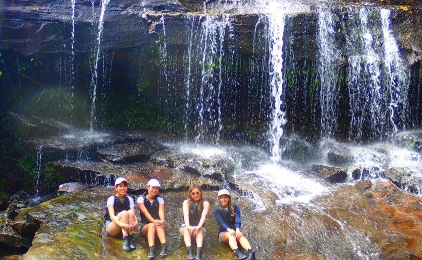 サンガラの滝で女子旅記念撮影