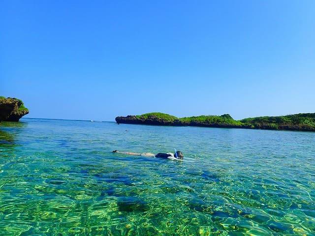 西表島の秘密のビーチとして有名な耳切の浜