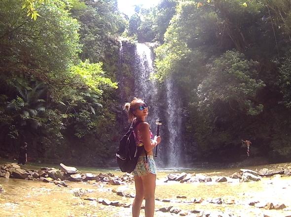 沖縄でリバートレッキングツアーに参加し滝に到着
