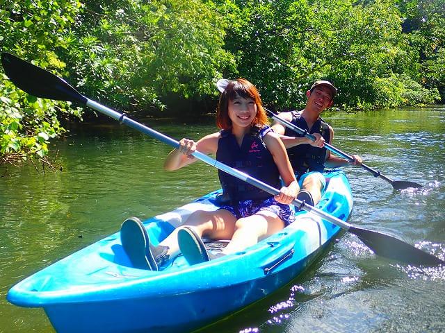西表島の西田川で2人乗りのカヤックを満喫