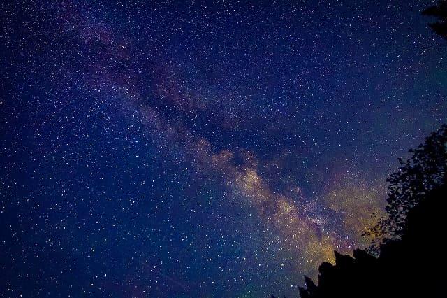 宮古島の天の川がはっきり見える星空