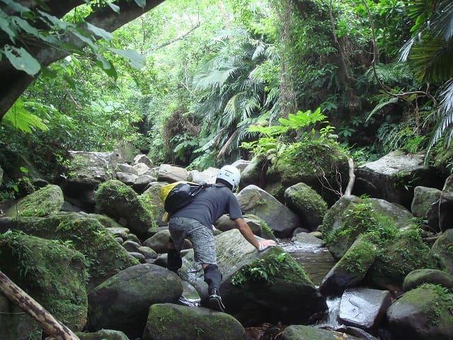 ゲータの滝へクライミング