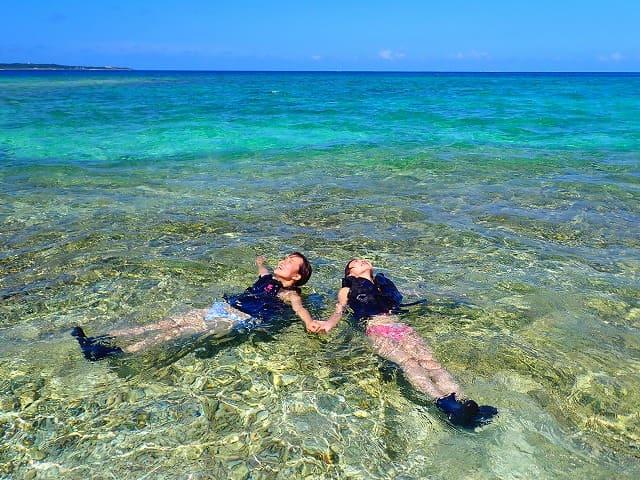 バラス島周辺の海でシュノーケリング