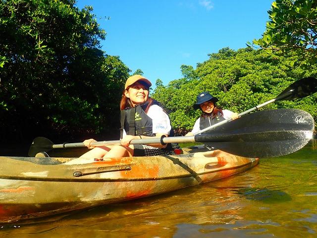 女子旅でマングローブカヌー体験