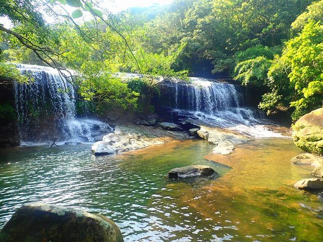西表島の秘境地にあるサンガラの滝