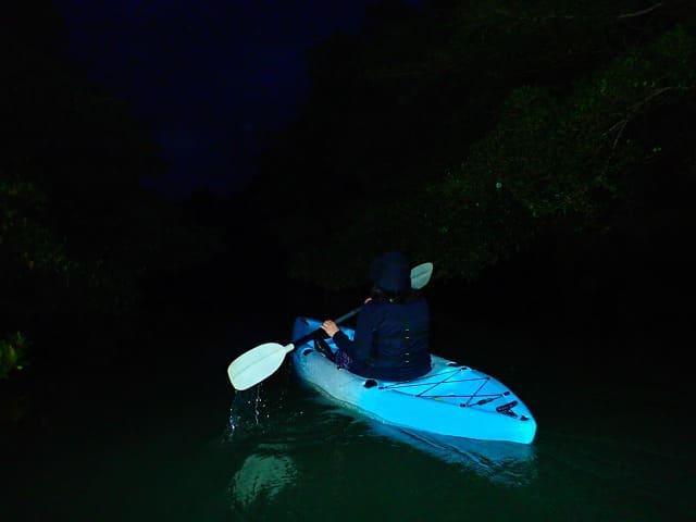 真っ暗な宮古島の夜をカヤック