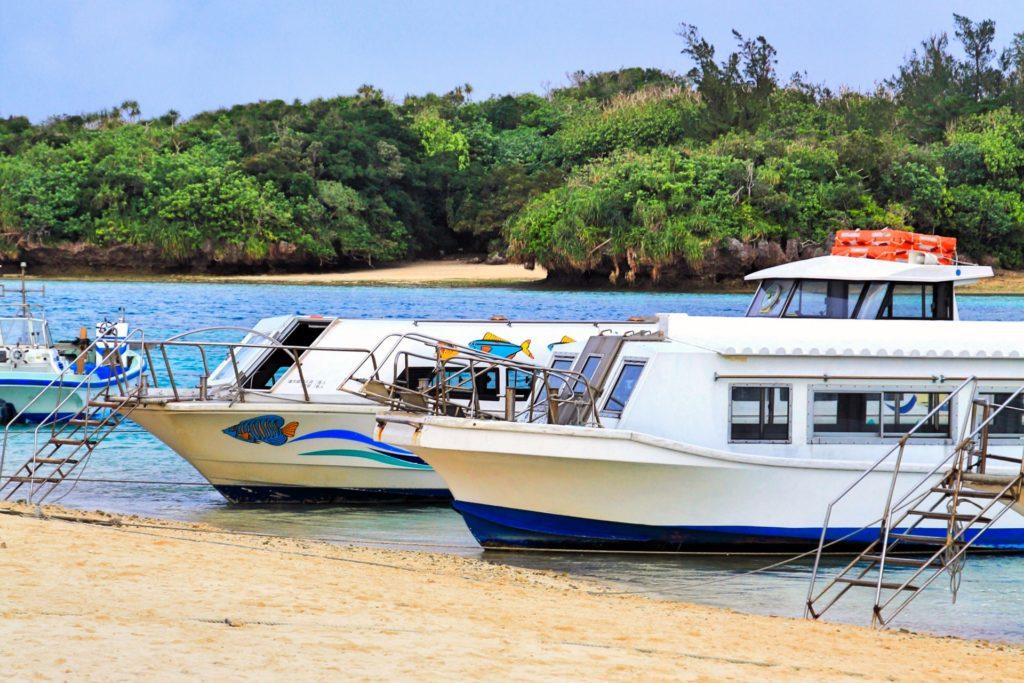 川平湾のグラスボート体験