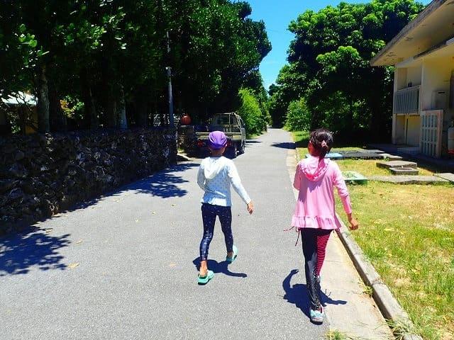 石垣島から日帰りで鳩間島を観光するお子様
