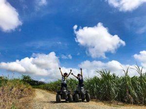 石垣島の未舗装道路でバギー体験