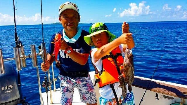 西表島で家族で釣りを体験