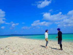 西表島近くのバラス島に上陸してお散歩