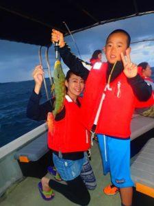 西表島の釣りツアーで小さいお子様も魚をゲット