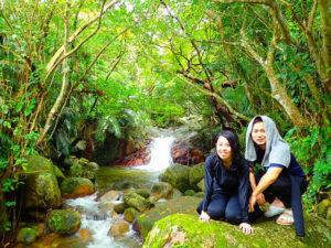 荒川の滝で水浴び