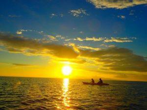 西表島のカヤック(カヌー)ツアーで見れる海に沈む夕日に感動