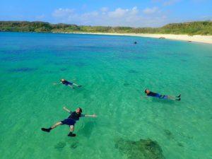 カラフルサンゴと熱帯魚を楽しめる宮古島シュノーケリング