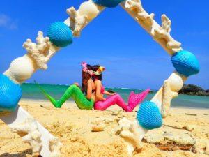 女子旅でビーチマーメイドフォト