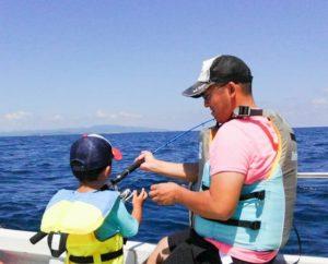 ファミリーで釣りツアーに参加