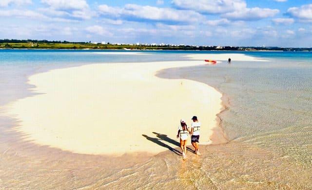 伊良部島近くにあるゆにの浜