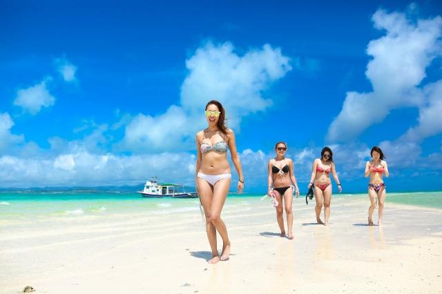 幻の島浜島で海水浴