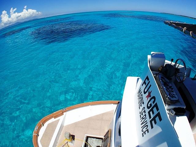 石垣島の海を船上から撮影
