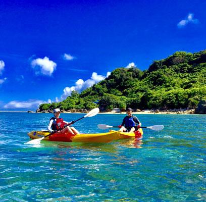 沖縄本島でのカヤックツアー