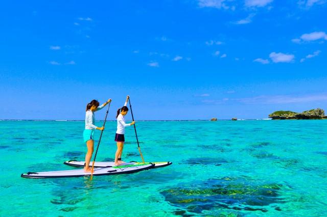 川平湾を女子旅でSUP体験