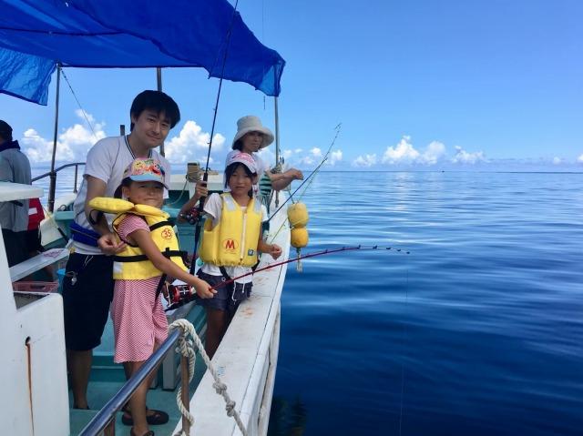 女の子も楽しめる沖縄の釣りツアー