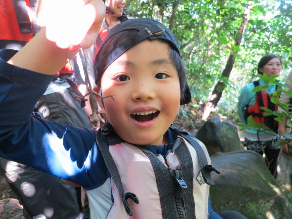 ピナイサーラの滝へ向かう際に出会ったキノボリトカゲ
